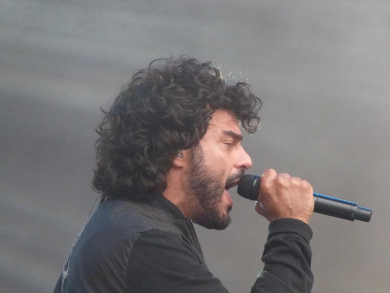 Francesco Renga durante il soundcheck. Foto www.unionemonregalese.it