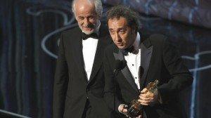 Il regista Paolo Sorrentino e Toni Servillo alla consegna del premio Oscar