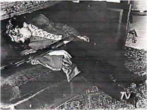 cile-allende-trovato-morto-nel-suo-studio-con-le-armi-in-pugno