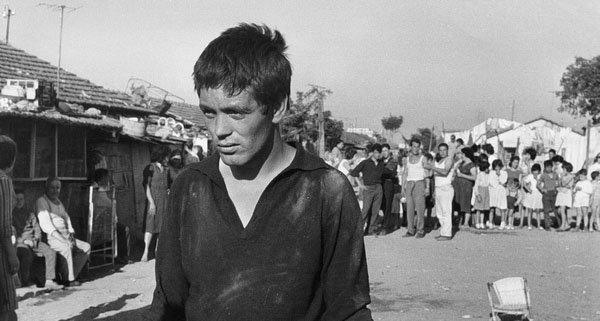 """Fotogramma dal film di Pier Paolo Pasolini """"Accattone"""", 1961 Directed by Pier Paolo Pasolini Shown: Franco Citti"""