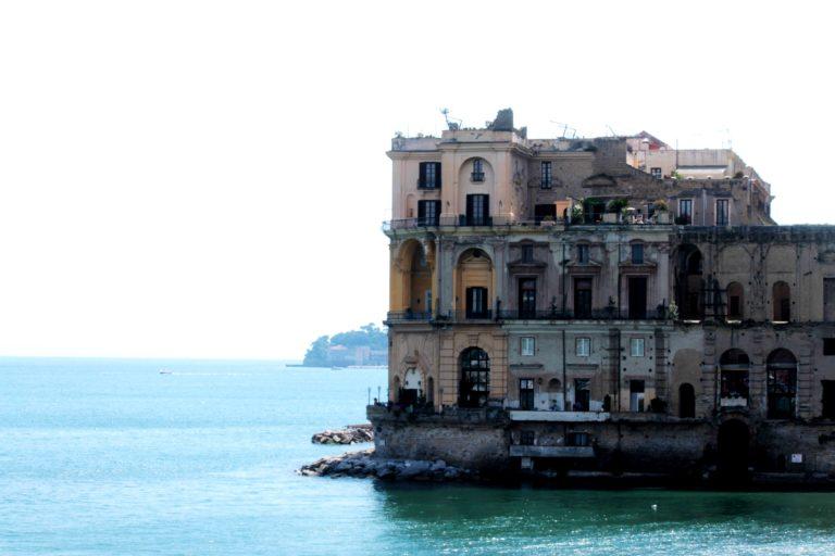 Napoli fuoco di Vesuvio