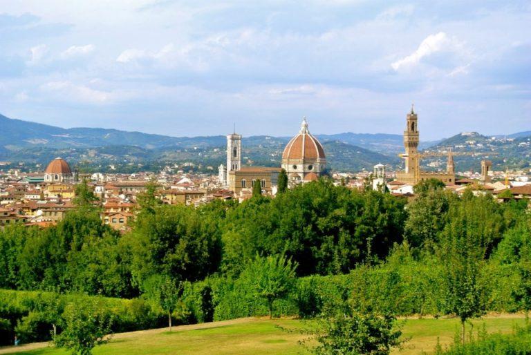Una giornata a piedi <br>tra le strade di Firenze: <br>il vero museo è la città