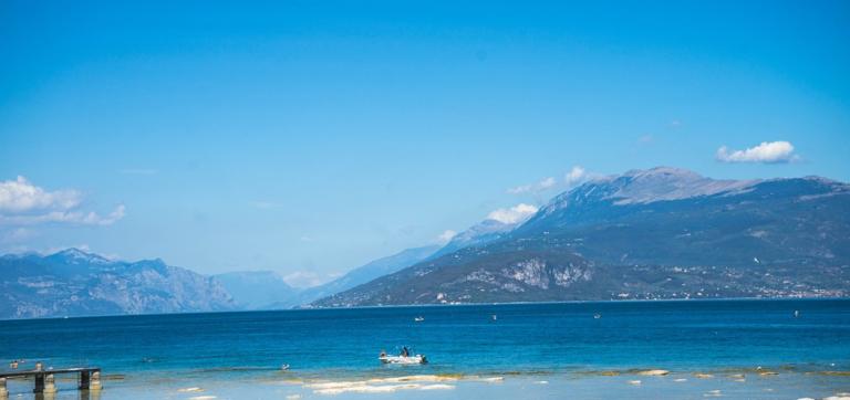 Lago di Garda su strada: <br>l'imperdibile nel puntinismo <br>dei suoi diversi paesi