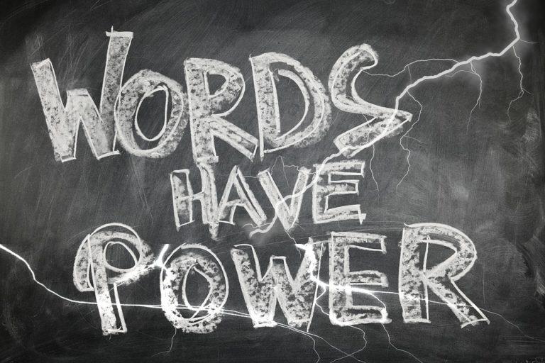 """Lo scomodo e """"inutile"""" <br>potere della parola"""