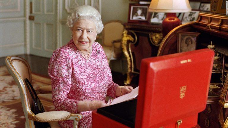 Se la Regina Elisabetta scopre l'amore per la lettura