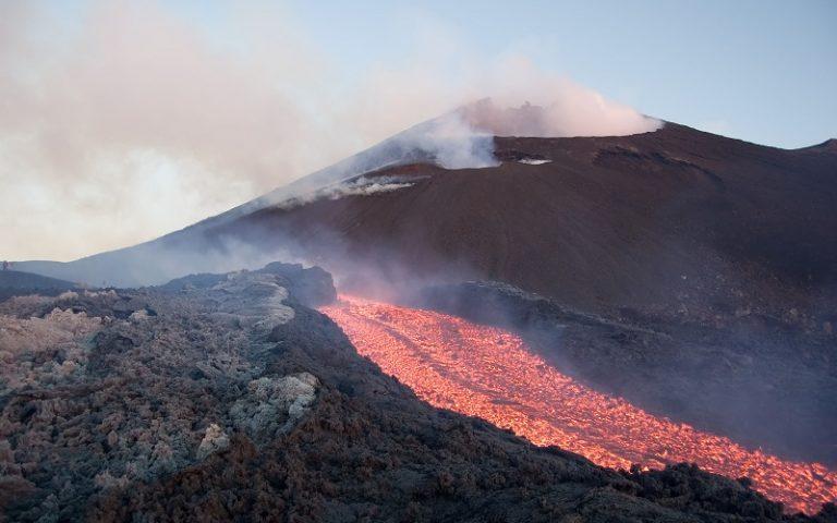 Escursioni sui vulcani, tra rischio e meraviglia