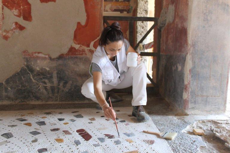 Beni culturali, intervista alla restauratrice Anna Panariello