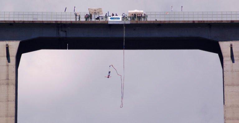 Tensione ad alta quota: il meglio del bungee jumping italiano