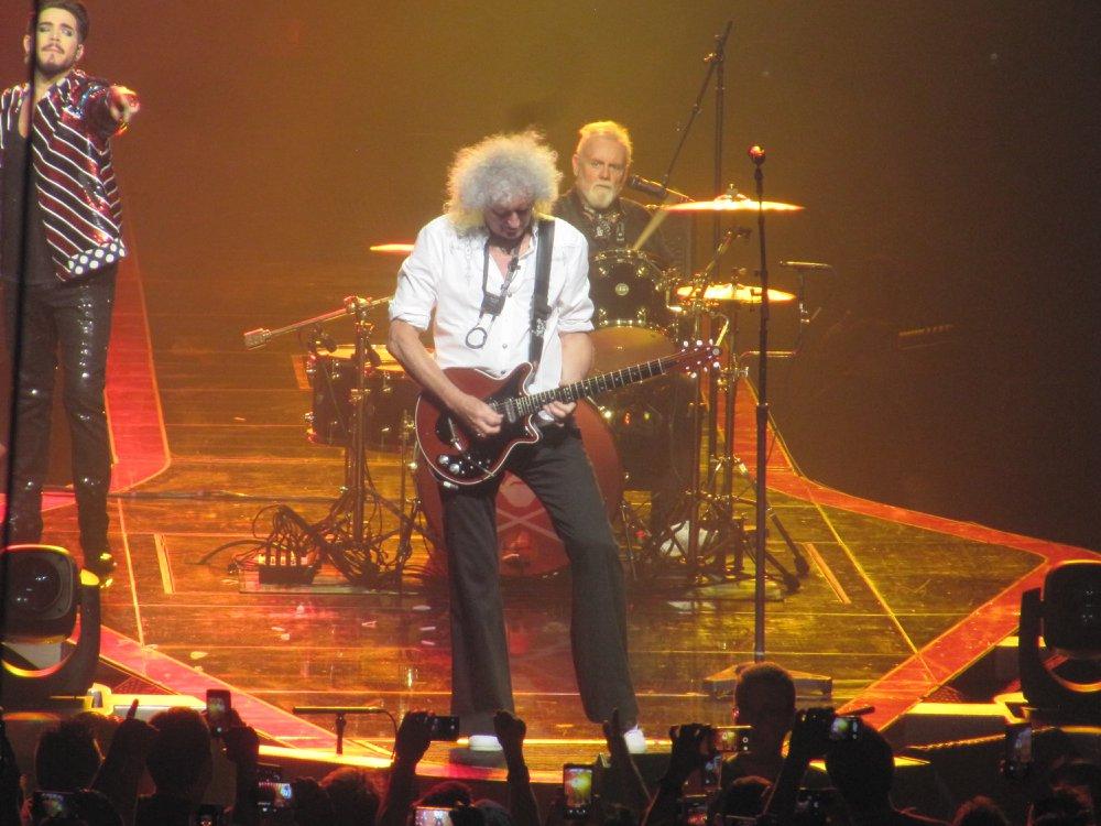 Brian May e Adam Lambert concerto