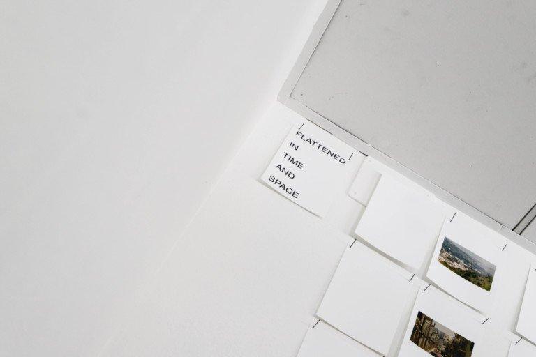 """Looking on: una mostra per """"stare a guardare"""""""