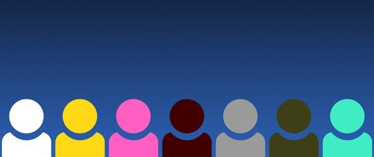Discriminatori vs buonisti: appunti su un discorso polarizzato e paralizzato