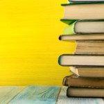 Cosa leggere sotto l'ombrellone? Compendio di (ri)letture estive