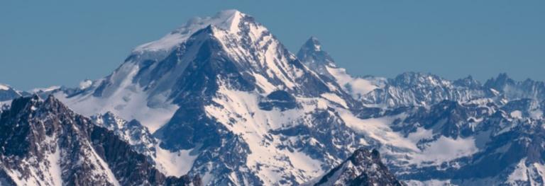 Tra scalate e avventure estreme, «La montagna dentro» di Hervè Barmasse